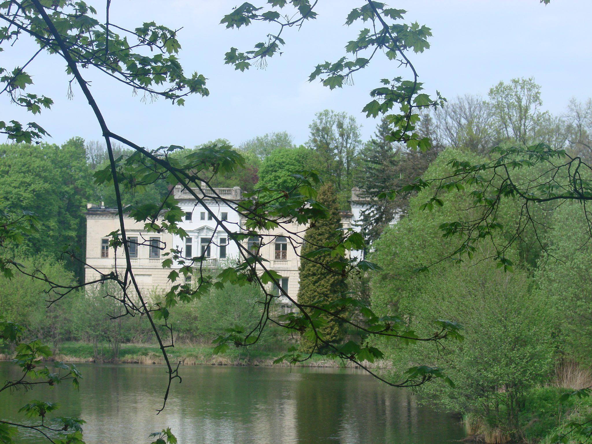 Widok na pałac Juliusza Heinzla w Łodzi – Łagiewniki